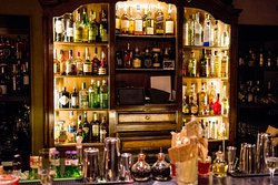 Nomads Cocktail Bar