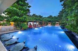 Mayfair Palm Beach Resort