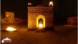 """Amazing night wiew of """"Ateshgah fire timpe"""""""