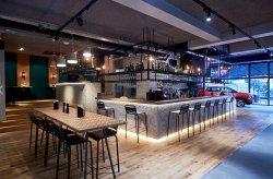 Declercq Cafe-Garage
