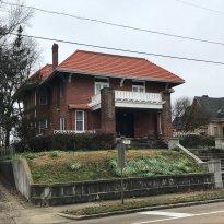 Shlenker House