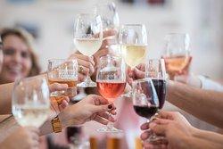 بارات للنبيذ