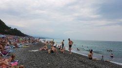 Очень длинный и широкий пляж!