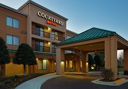 Courtyard Chesapeake Greenbrier