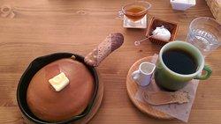 Mitsubachi Garden Cafe