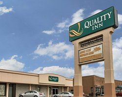 University Quality Inn