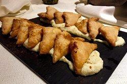 Buffet misto di pesce e carne