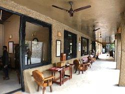 Luxurius Kings Lodge Bandhavgarh