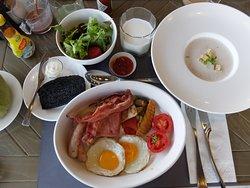 Breakfast: A la carte choice