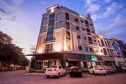 Chariton Hotel