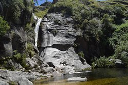 Cascada Escondida