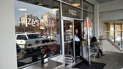 Ize's Deli and Bagelry