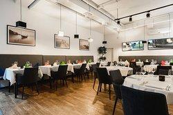 Riva Cafe Bar Restaurant