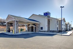 Cobblestone Hotel & Suites Killdeer, ND