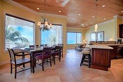 20 Beachfront Villas - 2 Bedroom, 2 Bath, Full Kitchen, WiFi, Sat TV, sleeps 6 or 8