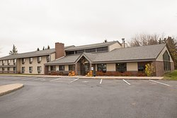 Boarders Inn and Suites by Cobblestone Hotels - Medford, WI