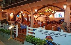 New Roma Pizzeria & Restaurant