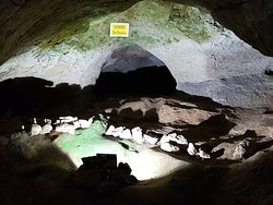 Bacho Kiro Cave - Dryanovo monastery