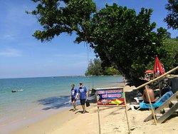 Super Lage an schönem Strand