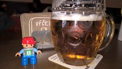 Гуси пьют пиво в Lokál Dlouhááá