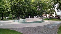 Green Gold Fountain