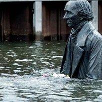 H. C. Andersen skulptur i havnen