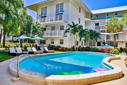 Coral Reef Key Biscayne Suites