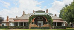 Petersons Armidale Winery & Guesthouse