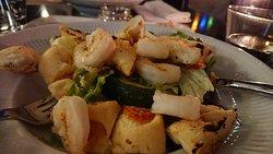 Insalata: In garlic butter fried King prawns 18,50 €