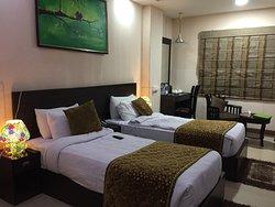 Palm Tree Hotel & Restaurant