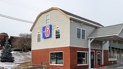 Motel 6 Queensbury, NY - Lake George Area