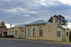 Bairnsdale Art Gallery, looking west with the historic Bairnsdale Courthouse building behind.