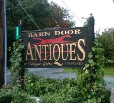 ‪Barn Door Antiques‬