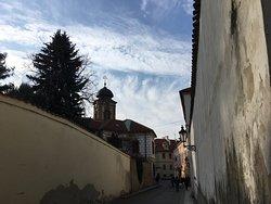 Praha hrou