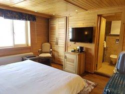 Strategic location & cozy interior