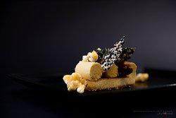 Corn mousse, madelaine sponge cake, honey and allspice berries