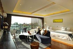Suites by Watermark Hotel & Spa