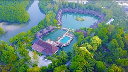 Poonsiri Resort River Hill
