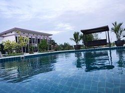 Menam Resort