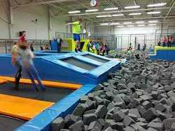‪Jumpark - Trampolines Indoor‬