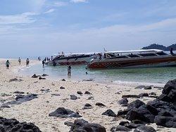 Bundhaya Speed Boat