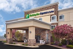 Holiday Inn Express Chicago-Libertyville