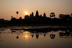 Angkor Wat Small Tour
