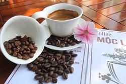 Nơi thú vị để Qúy khách ngồi thức ly cafe truyền thống hoặc ly cà phê hạt rang xay. Hay ly Capuc