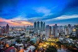 Vanilla Sky Rooftop Bar - Compass Skyview Hotel