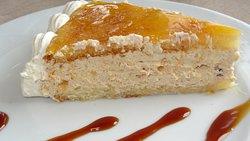 La tarta de turrón que solo vale 3,5 euros tiene muchísimos adictos