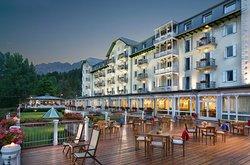 克里斯塔洛温泉及高尔夫酒店