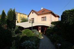 Öreg Sam Beer Garden and Restaurant