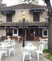 Cafe de la Pie