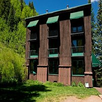 Manitou Lodge